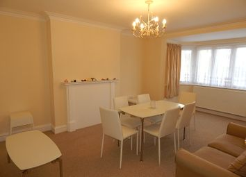 Thumbnail 2 bed flat to rent in Hodford Road, Golders Green