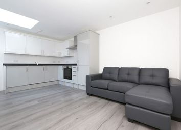 Thumbnail 2 bed flat to rent in Stapleton Hall Road, Stroud Green, London