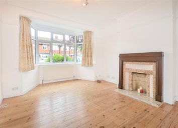 3 bed property to rent in Springfield Avenue, London SW20