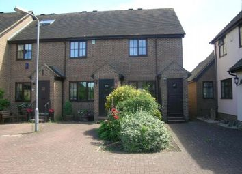 Thumbnail 2 bed property to rent in Old Town Close, Beaconsfield