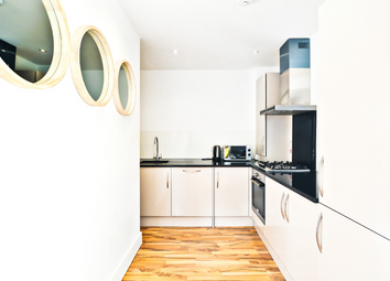 Thumbnail 1 bed flat to rent in Cambridge Heath Road, Whitechapel