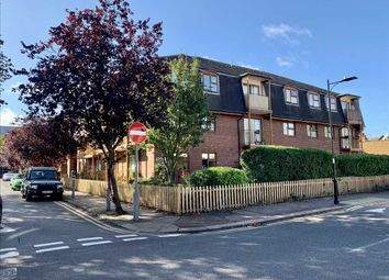 1 bed flat for sale in Chalkwell Park Drive, Leigh-On-Sea SS9
