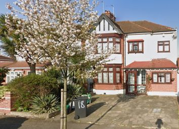 5 bed semi-detached house to rent in Monmouth Avenue, London E18