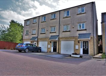 Thumbnail 4 bed town house for sale in Beckside, Halifax