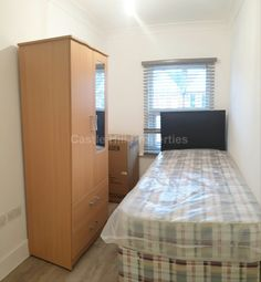 Room to rent in The Avenue, West Ealing, London. W13
