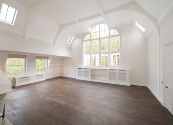 Thumbnail 3 bed flat to rent in Palace Green, London