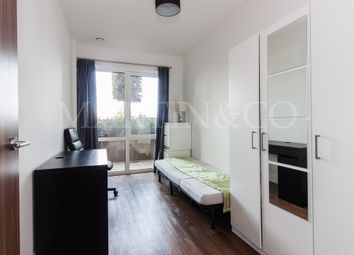 Thumbnail 2 bed flat to rent in Longfield Avenue, London