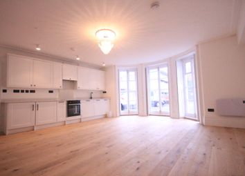 Thumbnail Studio to rent in Shenfield Road, Brentwood, Essex