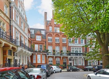 Thumbnail 1 bed flat to rent in Kensington Court, London