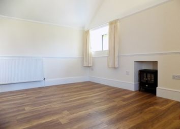 Thumbnail 2 bedroom flat to rent in Oak Hill Road, Torquay