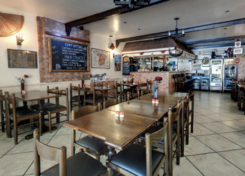 Thumbnail Restaurant/cafe for sale in Holloway Rd, London