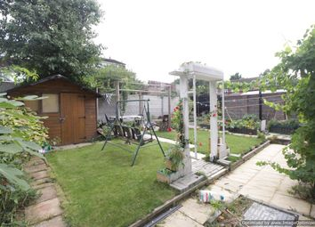 Thumbnail 1 bed flat to rent in Pembroke Avenue, Luton