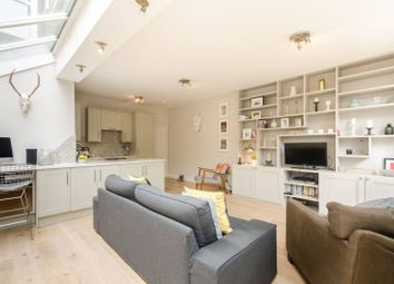 Thumbnail 2 bedroom flat for sale in Kingscourt Road, Streatham Hill
