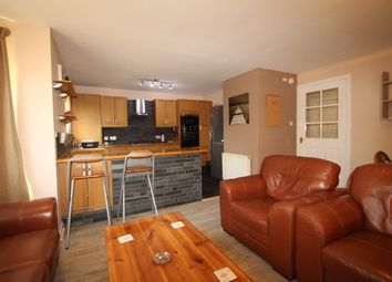 2 bed flat to rent in Meadowpark Street, Dennistoun, Glasgow G31
