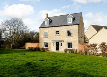 Thumbnail 5 bed detached house for sale in Hubble View, Oakhurst, Swindon