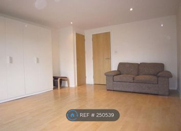 Thumbnail Studio to rent in Silver Street, Enfield