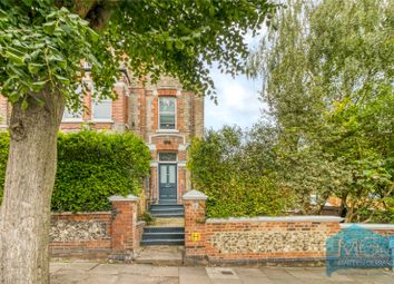 Crouch Hall Road, Crouch End, London N8. 4 bed flat