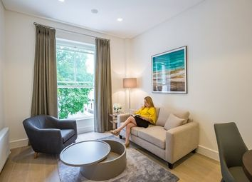Thumbnail 1 bed flat to rent in Prince's Square, London