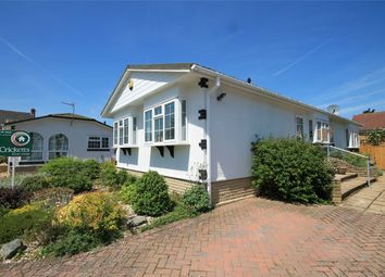 2 bed mobile/park home for sale in Haysoms Drive, Thatcham RG19