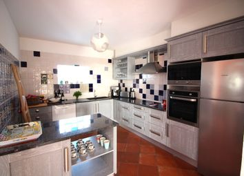 Thumbnail 6 bed villa for sale in Albufeira, Portugal