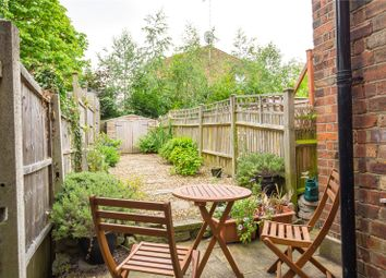 Thumbnail 1 bedroom flat for sale in Sylvester Road, East Finchley, London