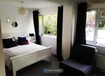 Thumbnail 1 bed flat to rent in Caversham, Reading