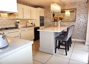 Thumbnail 4 bed detached house for sale in Hyde Park Road, Kingswood, Hull