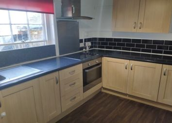 2 bed flat to rent in High Street, Sittingbourne ME9