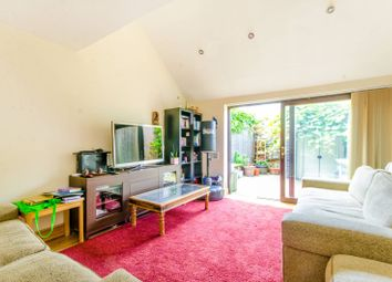 Thumbnail 3 bed property to rent in Mackenzie Road, Islington