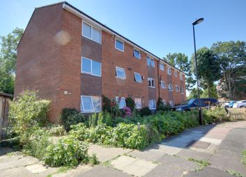 Thumbnail 2 bedroom flat for sale in Queens Avenue, Winchmore Hill