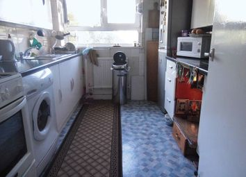 Thumbnail 1 bedroom flat for sale in Kylemore Close, London