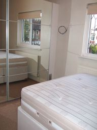 Thumbnail 1 bedroom flat to rent in Oakleigh Lodge, Leigh-On-Sea