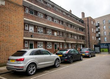 Thumbnail 4 bed shared accommodation to rent in Benjonson Road, Stepney, London