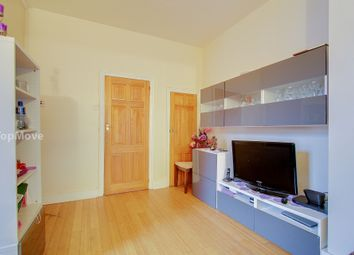 Thumbnail 3 bed flat for sale in Kelling Garden, Croydon
