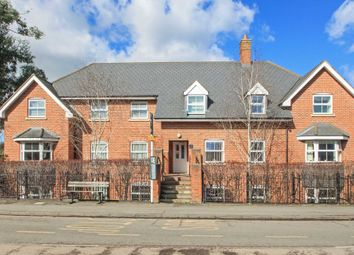 Thumbnail 2 bed flat for sale in Gowers Yard, Tring
