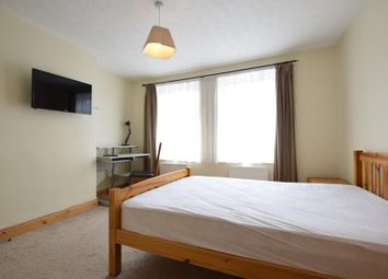 Thumbnail 1 bed property to rent in South View Avenue, Caversham, Reading