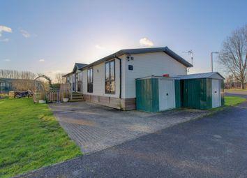 Crow Lane, Little Billing, Northampton NN3. 3 bed mobile/park home