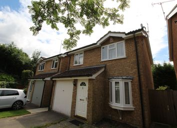 Thumbnail 3 bed detached house to rent in Southern Way, Farnham