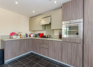 Thumbnail 2 bed flat to rent in Bowes Road, Arnos Grove