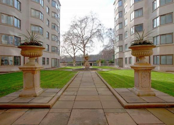Thumbnail 1 bed flat to rent in Arlington Street, St James's, Mayfair, London