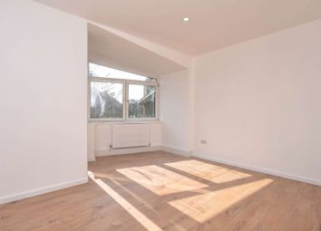Burbage Close, Borough, London SE1. 3 bed flat