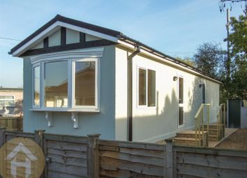 Thumbnail 2 bed mobile/park home for sale in New Look Mobile Home Park, Carterton