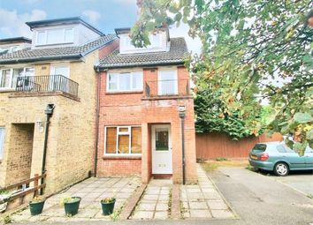 Thumbnail 1 bed flat to rent in Mead Avenue, Langley, Berkshire