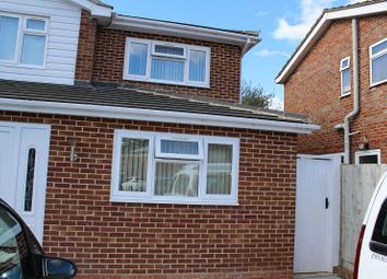 Thumbnail Studio to rent in Shelley Close, Banbury, Oxon