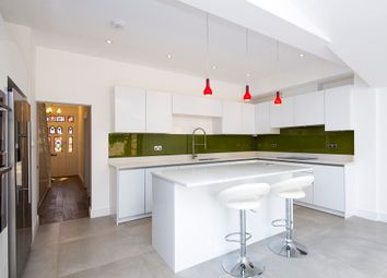 Thumbnail 4 bed property to rent in Lavenham Road, London