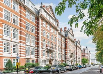 4 bed flat to rent in St. Johns Wood High Street, London NW8