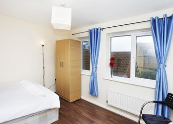 Thumbnail Room to rent in Hillview Drive, Woolwich Arsenal
