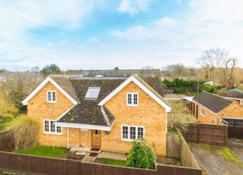 Thumbnail 4 bed detached house for sale in Willow Mead, Chalgrove, Oxford