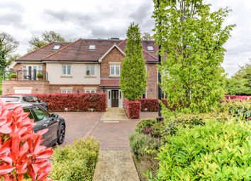 Thumbnail 2 bed flat to rent in Woodside Gardens, Marlow