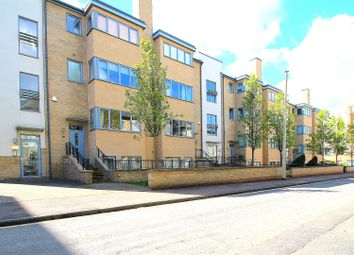 Thumbnail 2 bedroom flat for sale in Fitzwilliam Road, Cambridge